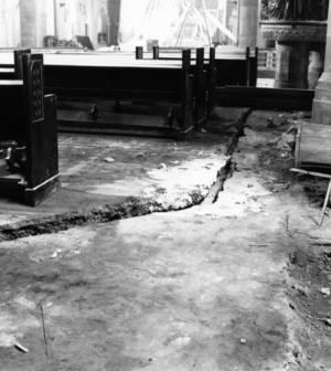Risse im Fußboden